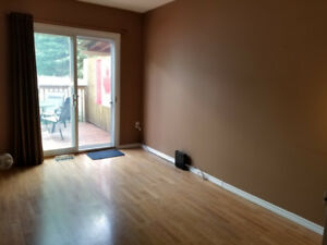 Room rental available for Cambrian and Boreal student