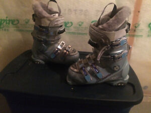 Skis and boots - urgent sale