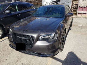 2016 Chrysler 300s RWD CLEAN, WELL-MAINTAINED AND DETAILED