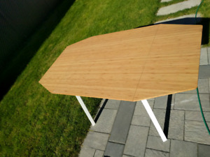 Extendable office/living table