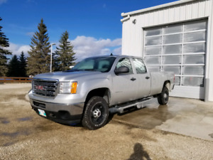 2011 GMC 2500HD SAFTIED CREW CAB