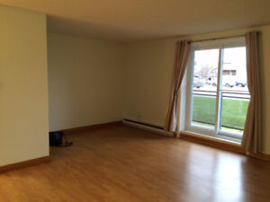 COBOURG 2 BEDROOM - GREAT SPACE!