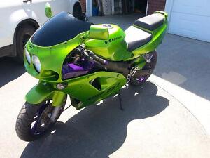 Moto sport avec plaque sport touring (580$)