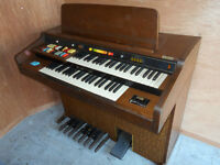 LOWREY NEPTUNE ORGAN COMES WITH BENCH