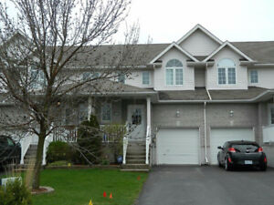 Beautiful 3-bed townhome, awesome Kingston East location!