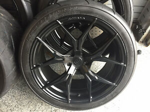 GT-R wheels and tires