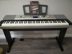 Yamaha DGX-620 Electric Piano