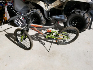 Camo boys bike dual suspension