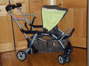 Poussette double Baby trend sit and stand