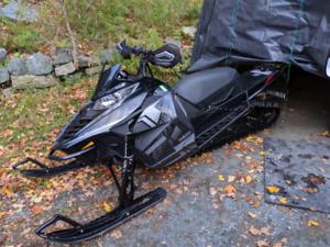 2015 Yamaha Sr viper Mtx153     LOW KMS!