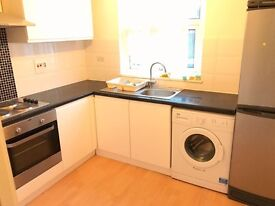 Nice double room in zone 2. No fees, bills included.