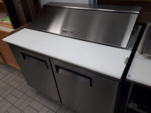 RESTAURANT FOOD STEEMER AND SANDWICH TABLE FOR SALE