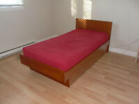 LIT JUMEAU EN TECK/TEAK SINGLE BED