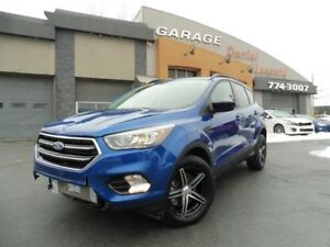 Ford Escape SE, AWD, 2.OL ECOBOOST, BLACK APPARENCE ! 2017