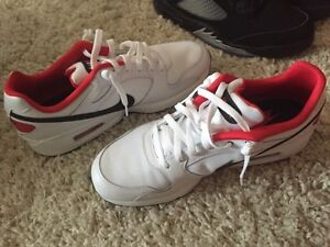 Me s white+red+black airmax nike size 11 OBO Cambridge Kitchener Area image 1