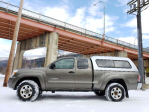 2009 Toyota Tacoma Access Cab 4x4, low kms