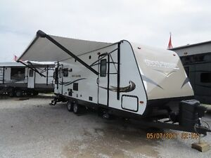 2016 25RL TRAIL RUNNER 30' O/A BY HEARTLAND NEW CONDITION!!!