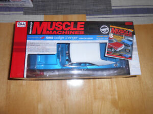 1/18 diecast: AutoWorld Muscle cars (69 Dodge Charger & Superbee