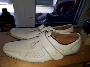 Leather shoes. 9-9.5