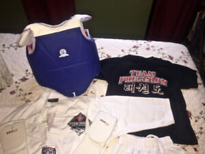 Taekwondo Uniform and Sparring Gear small ages 5-6