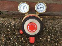 Acetylene welder control gauge