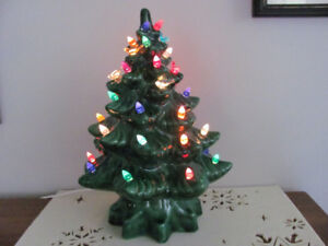 "Vintage CERAMIC CHRISTMAS TREE w/ Light 14 1/4"" Complete LOVELY!"