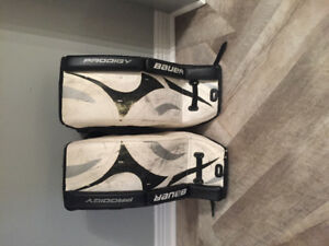 "Used 22"" Bauer Prodigy goalie pads"