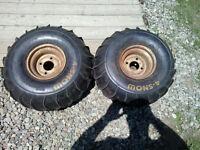 2 pneu avec rim  4 snow 22x10-8
