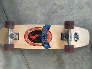 Skateboard (Pro Skates Deck - Cruiser + Independent Trucks +66m
