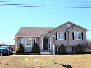 NEW PRICE! 206 Twin Oaks Dr-R-2000 Home! Walking Trail Nearby!