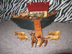 WOODEN NOAH'S ARK - COMES WITH 10 ANIMALS