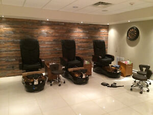 EQUIPMENT FOR COMPLETE NAIL STUDIO