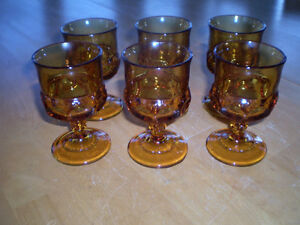 VINTAGE AMBER THUMB PRINT KINGS CROWN WINE/WATER GLASSES Windsor Region Ontario image 1