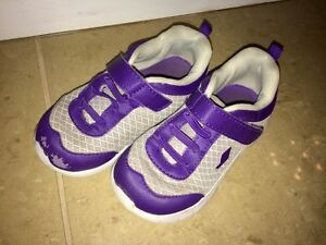 Girls size 9 shoes  Edmonton Edmonton Area image 2