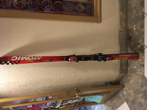 Selling brand new skis $200 obo