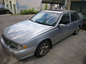 1998 Volvo S70 - Great project or parts car - $500
