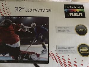 "32"" Technicolor by RCA LED TV"