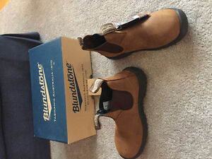 Blundstone Boots NEVER WORN TAGS ON