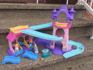 Fisher Price Little People Galloping Horse Castle