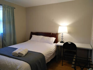 Nice, furnished bedroom, near Hwy 404 / 401.
