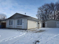 OPEN HOUSE NOV 28 2:30-4:00   3br, 1080 sq ft Bungalow in EK