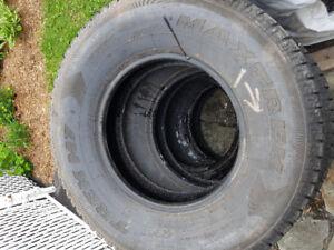pneus lt245/75R16 hiver