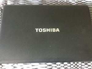 "Toshiba C875D 17.3"" Laptop, E1 CPU, 500gb HD, 4gb, Win 10"