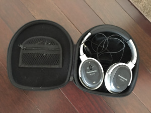 Panasonic RP-HC500 Noise Cancelling Head Phones