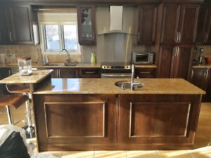 CUISINE COMPLET, ARMOIR ET PLUS- FULL KITCHEN, CABINETS AND MORE