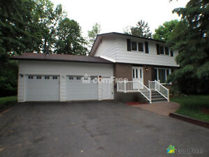 House with double garage near DND Carling Campus