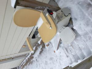 Outdoor Acorn chairlift