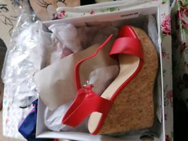 Truffle platform sandals size 4