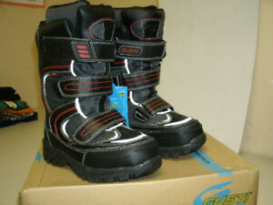 New and used boy's winter boots, size 3