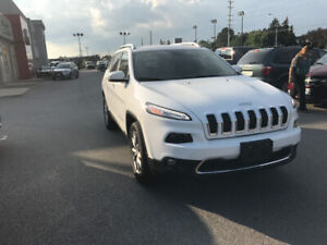 Jeep Cherokee limited white almost all options